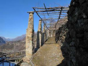 2-2. Le infrastrutture di viabilità pedonale sono fondamentali in montagna e rientrano nel patrimonio culturale alpino.