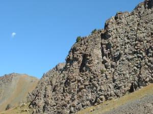 8. La spettacolare muraglia di cuscini di lava sovrapposti allo Chenaillet del Monginevro (Valle di Susa - Hautes-Alpes).