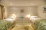 Large Pembrokeshire holiday cottage - twin bedroom