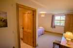 Three Cliffs Bay cottage holiday - bedroom