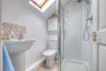 Laugharne holiday cottage - shower room