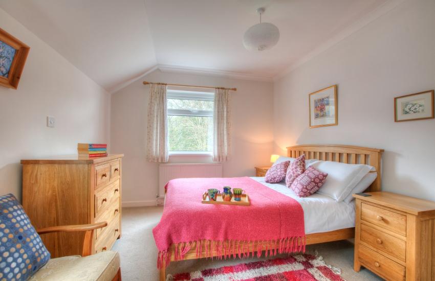 Pet friendly holiday cottage Aberaeron - bedroom