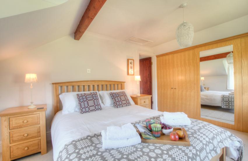 River Aeron holiday cottage - bedroom
