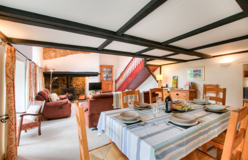 Pet friendly holiday cottage Ceredigion - dining