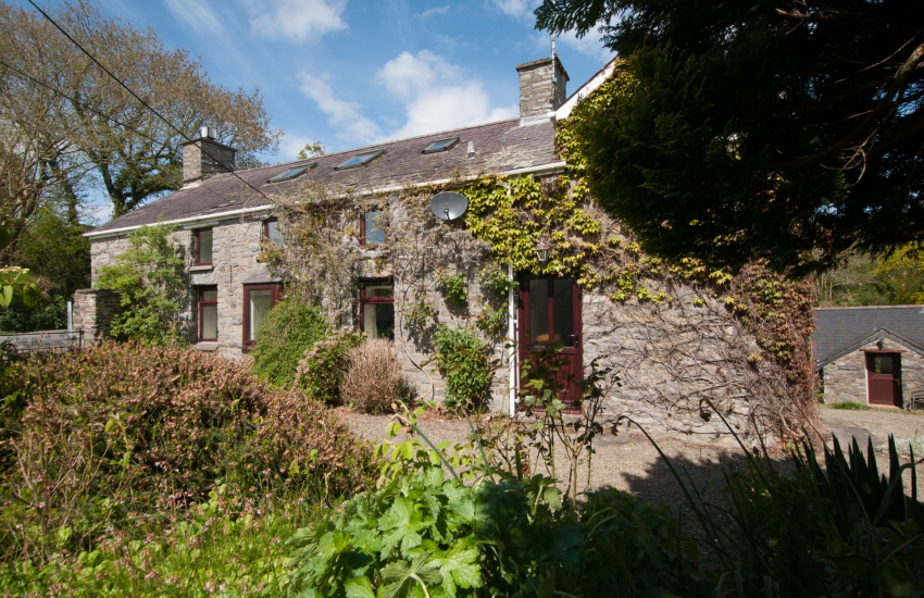 Pet friendly holiday cottage Ceredigion - exterior
