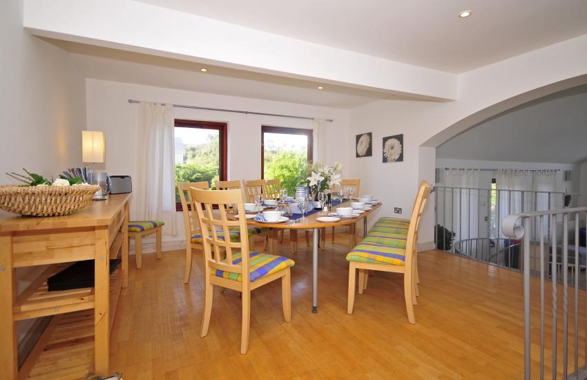 Coastal cottage Lleyn Peninsula - dining