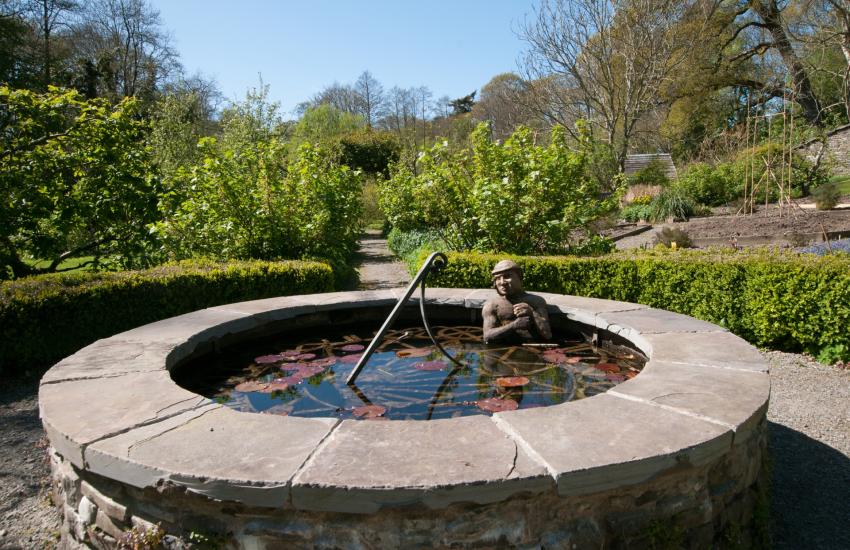 Ty Glyn walled gardens