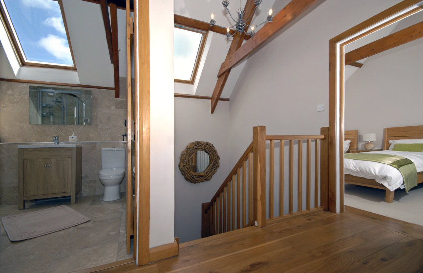 Luxury Pembrokeshire cottage with Oak features