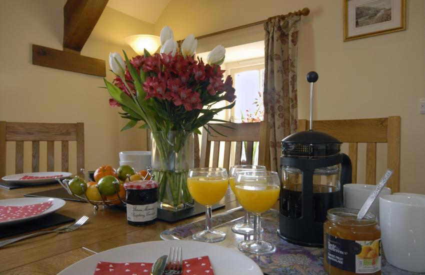 Rocket Cottage dining room