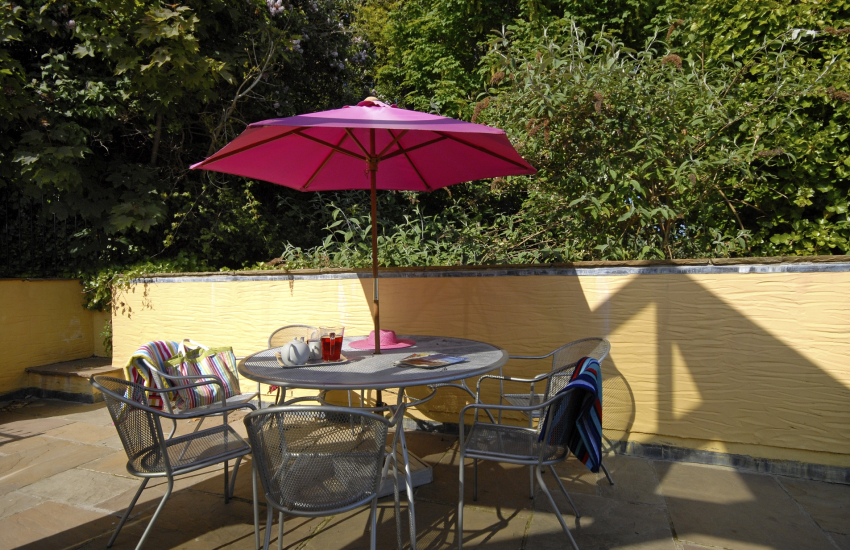 North Pembrokeshire cottage holiday-patio