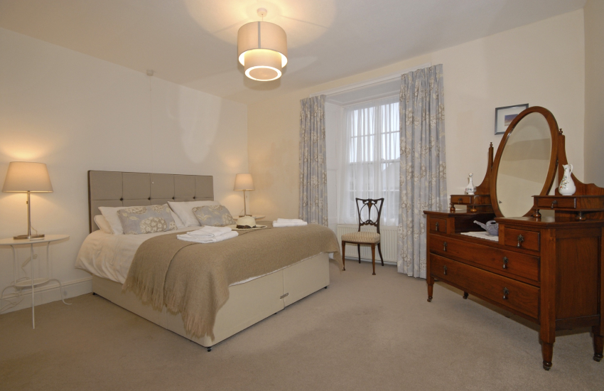 St Davids Victorian holiday home - king size master