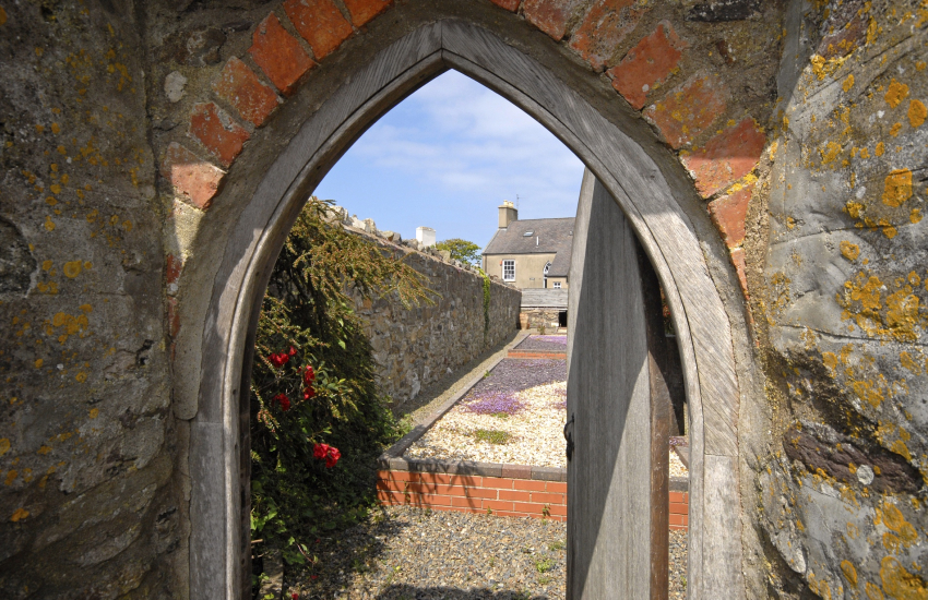 St Davids holiday home with walled gardens