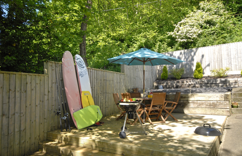Dale holiday cottage with deck, surf boards and BBQ