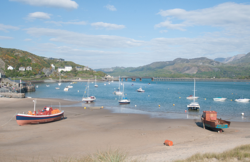 Barmouth beach backed by Cader Idris