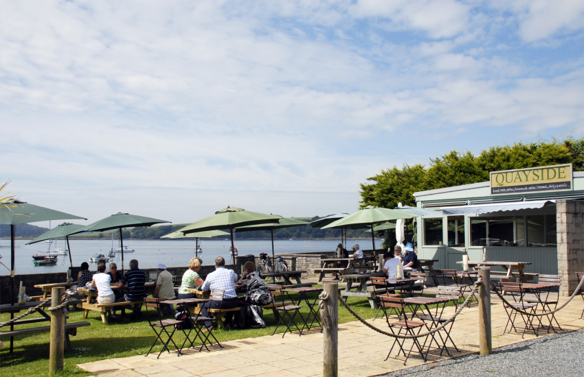 Quayside Cafe Bar in Lawrenny
