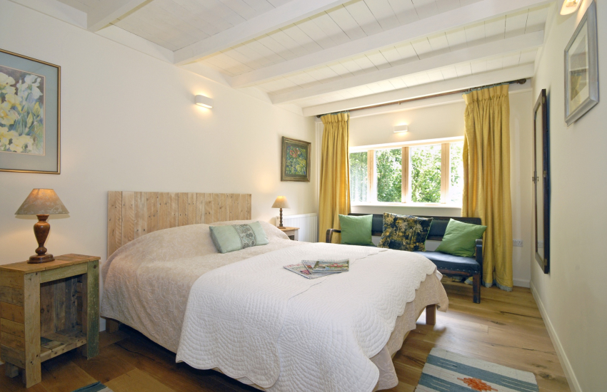 Master king size bedroom