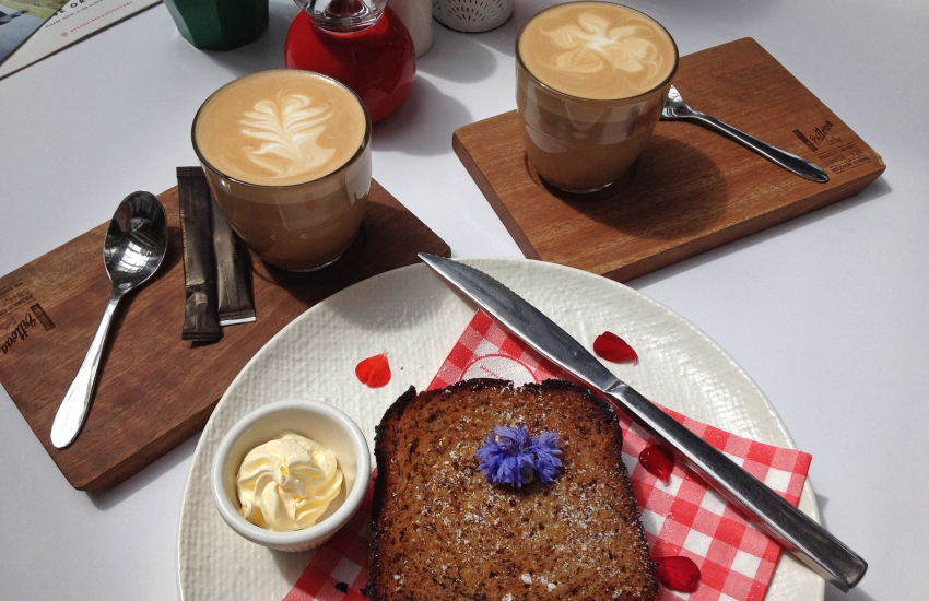 Pebbles Yard Gallery & Espresso Bar for mouth watering cakes