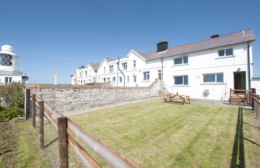 Pet friendly Pembrokeshire cottage - ext
