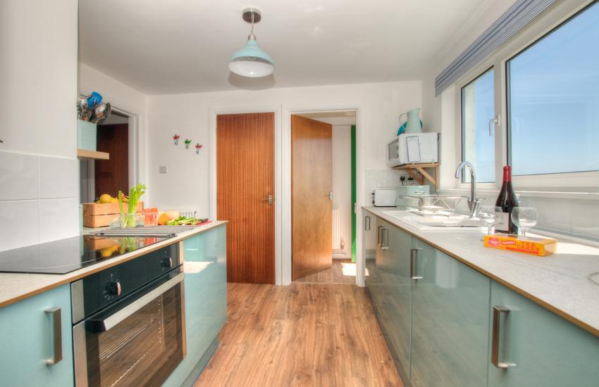 Pet friendly Pembrokeshire cottage - kitchen