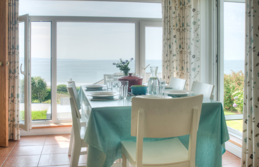 Welsh coastal cottage - dining