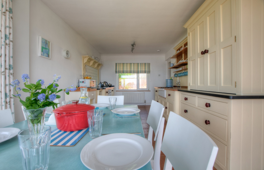 Holiday cottage with sea views Wales - dining