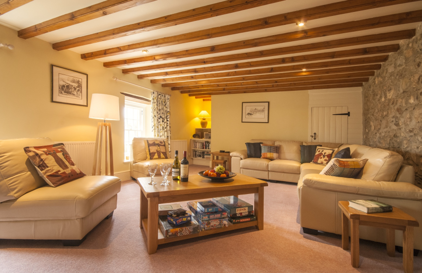 Pembrokeshire holiday home - comfortable first floor lounge
