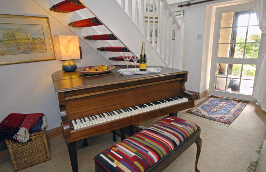 Pembrokeshire holiday cottage with baby grand piano