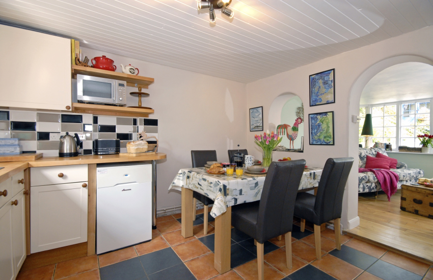 Self-catering North Pembrokeshire kitchen/dining area
