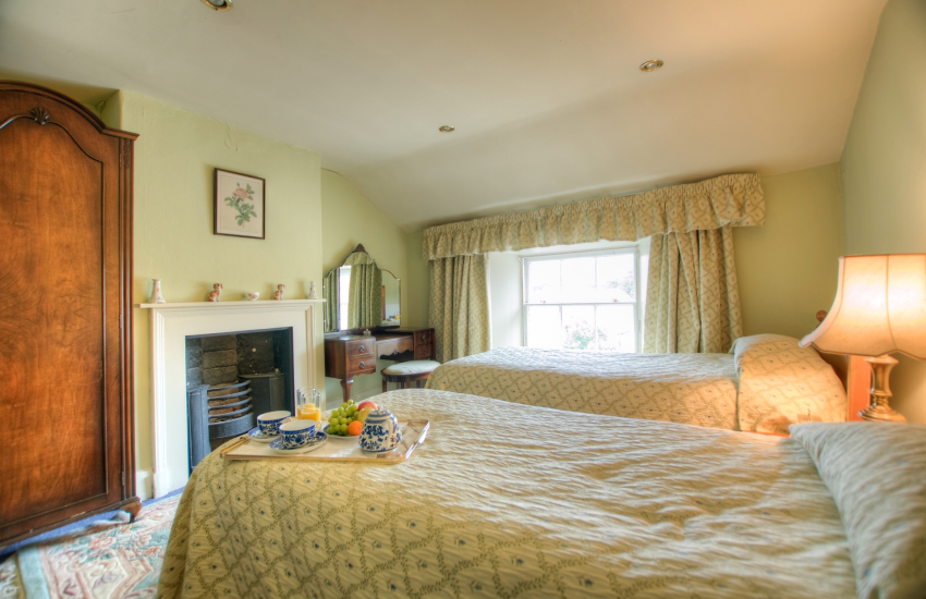 Pet friendly holiday house Beaumaris - bedroom