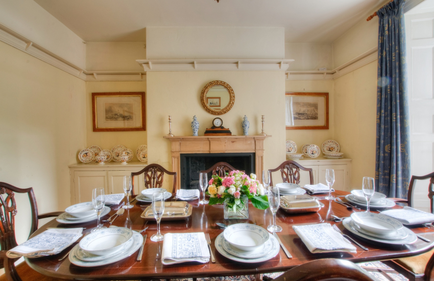 Anglesey holiday house  - dining room