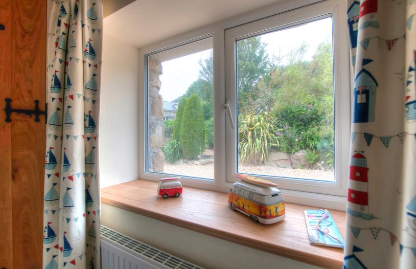 Llyn Peninsula coastal cottage - bunk beds