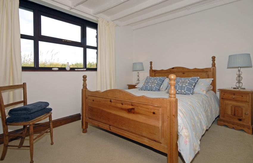 Porthgain holiday cottage sleeps 6 - ground floor double
