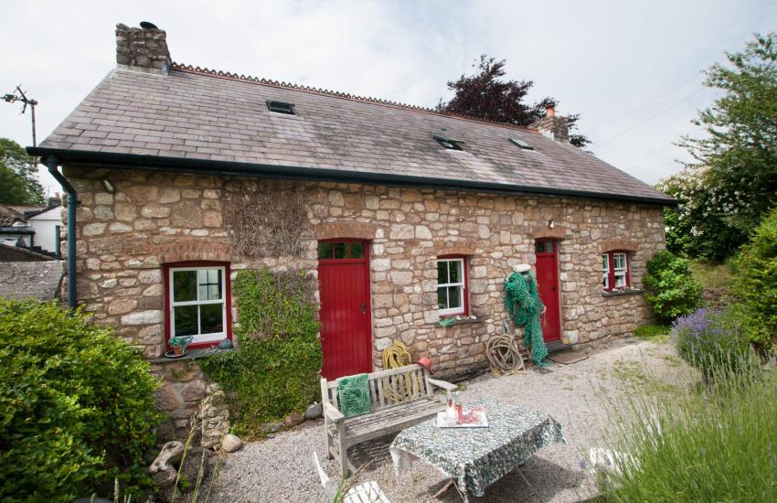 Gower coastal cottage - ext