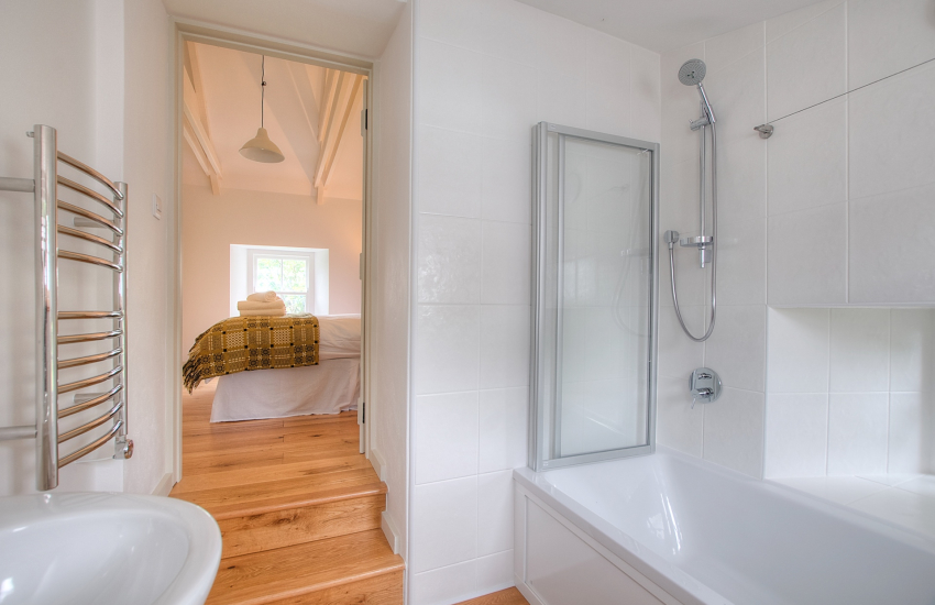 Luxury holiday house Pembrokeshire  - bathroom