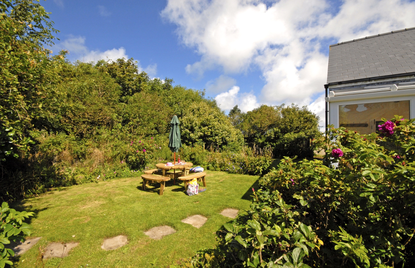 Pet friendly St Davids holiday home with sheltered gardens