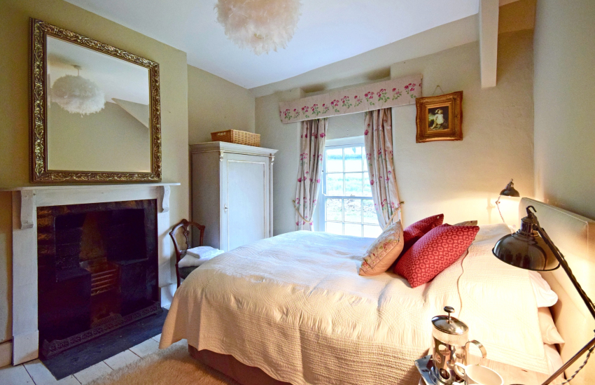 Gower holiday cottage bedroom
