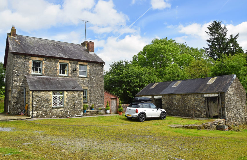 Gower holiday cottage exterior