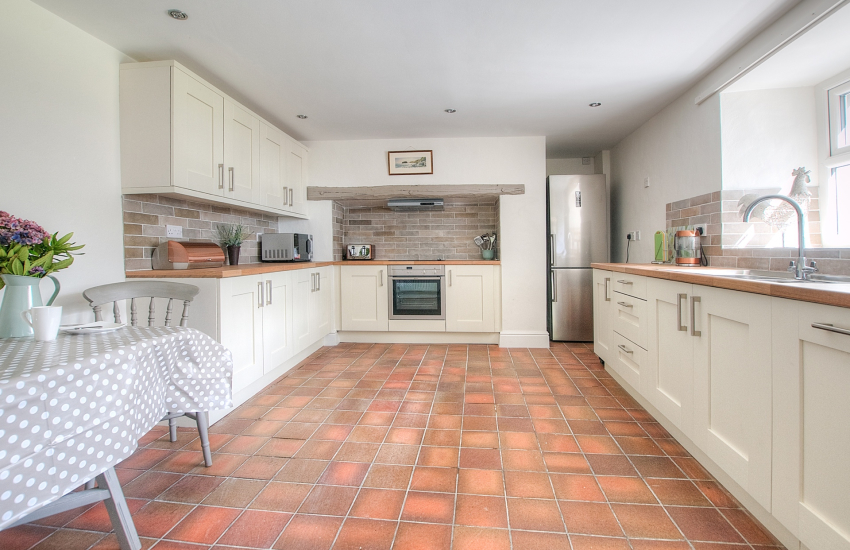 Pet friendly Holiday cottage Llyn Peninsula  - kitchen
