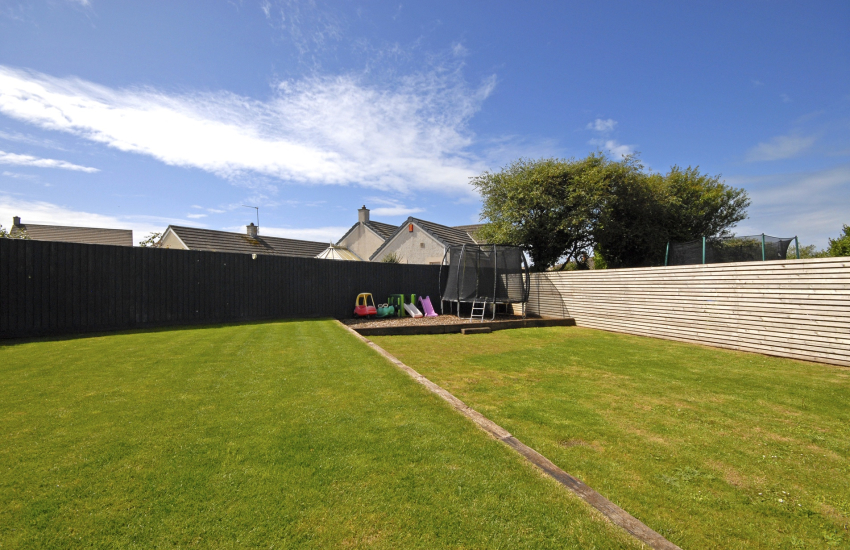 St Davids family holiday cottage with enclosed garden