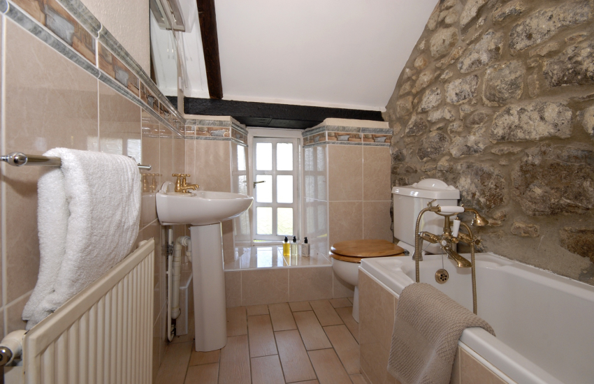 St Davids holiday cottage - first floor family bathroom