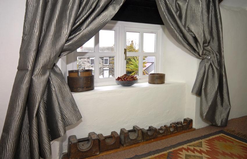 Renovated coach house near Solva - with stylish soft furnishings
