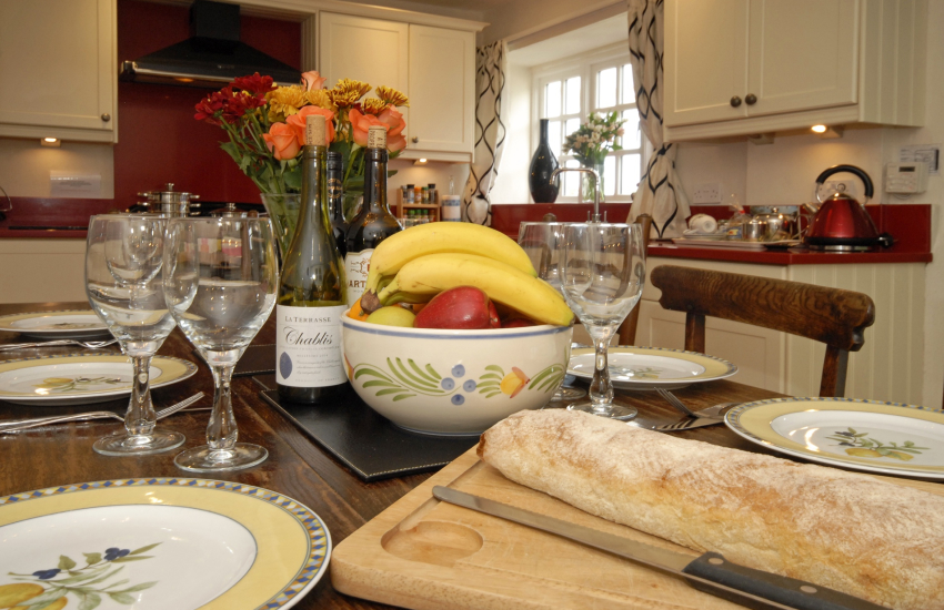Solva holiday cottage with large farmhouse dining table for parties and family gatherings