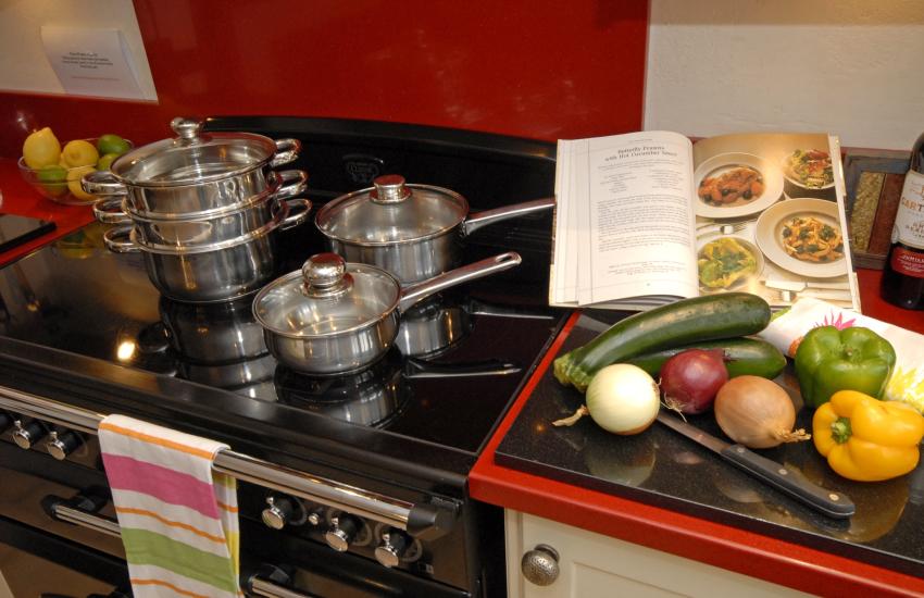 Solva cottage - modern kitchen with granite worktops and electric Range cooker