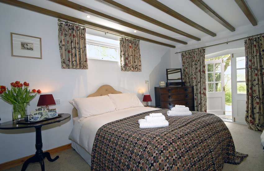 St Davids holiday home - master bedroom
