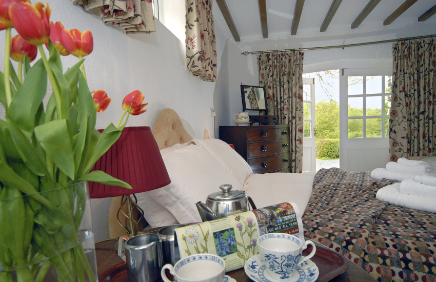 Pembrokeshire holiday cottage - master bedroom