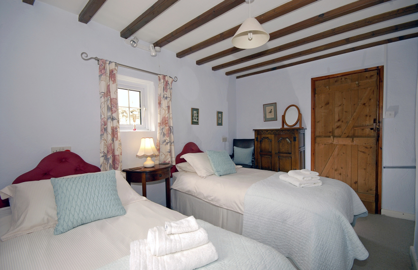 Pembrokeshire self catering cottage - twin