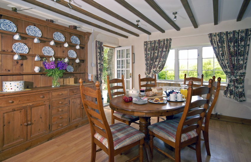 Self catering Solva converted barn - spacious kitchen/diner