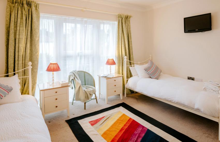 Swansea bay holiday - twin bedroom