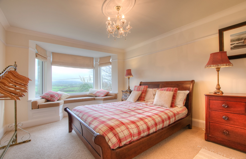 Aberdaron holiday cottage - ground floor double bedroom