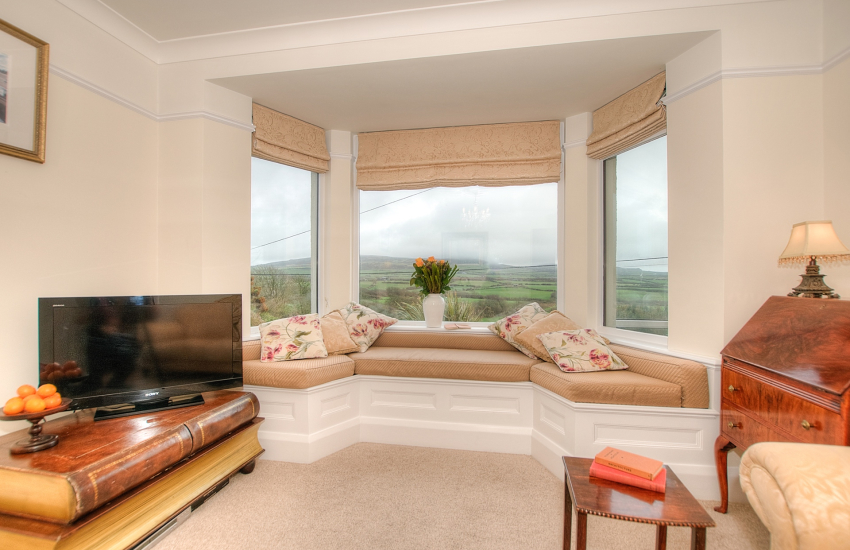 North wales coastal cottage - sitting room